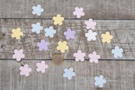 Uitdeelzakje confetti 10 stuks pastel bloemetjes