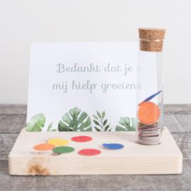 Kaarthouder bedankt groeien met confetti