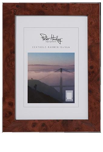 Peter Hadley Fotolijst Marlene Wortelnotenhout 30x40cm