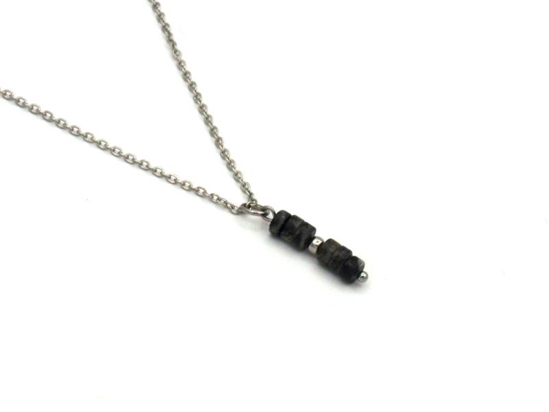 Winkel van Indah ketting - blackstone disc zilver