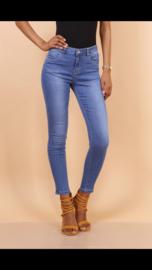 Half hoge taille, bleekblauwe jeans, ultralichte stof