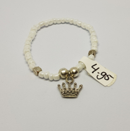 Armband wit met kroontje