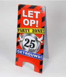 Warning Sign - 25 Jaar Getrouwd