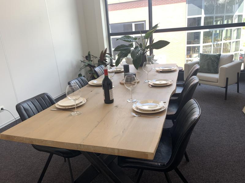 Eiken tafels met stalen onderstel X of U 80x30