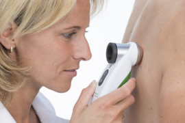 DermoGenius 3 polarized dermatoscoop