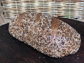 Bio Speltbrood met zaadjes (bio desem, 100% speltmeel)