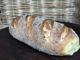 Bio Mais-brood (bio desem, tarwemeel 70% en maismeel 30%) 800 gram