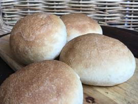 Bio Luxe witte zachte broodjes (per 4 stuks verpakt)