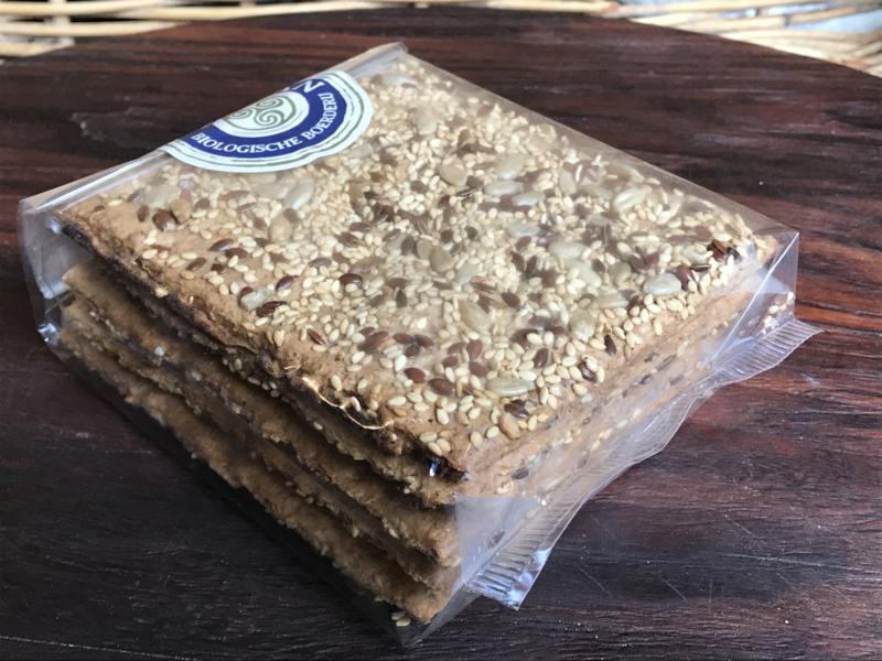 Bio Spelt-Crackers met sesam-lijn-zonnebloempitzaadjes (5 stuks)