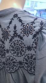 Broderie Jersey Shirt van White Stuff