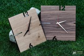 Vierkante houten klok 6,12