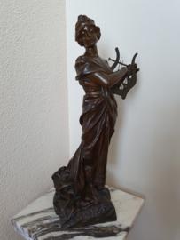 Bronzen dame met harp Sapho