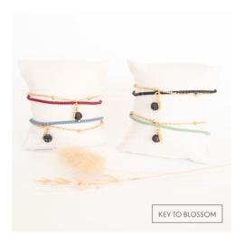 Lava Rock armband met gekleurd koord (diverse opties)