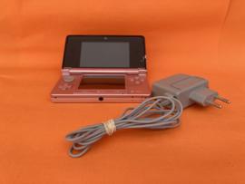 Nintendo 3DS roze in nette staat & bovenscherm met gebruikerssporen