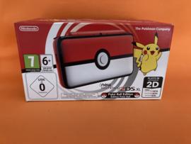 New nintendo 2DS XL Pokeball edition in nette staat in doos & krasvrije schermen
