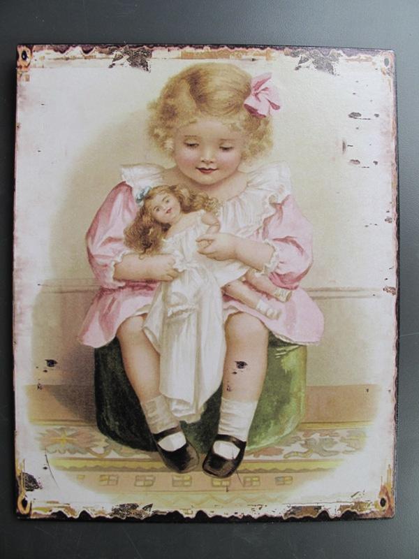ijzeren bord 'meisje met knuffel nostalgie'