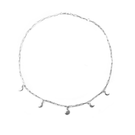 Amaris necklace ☽ hammered moonphases silver