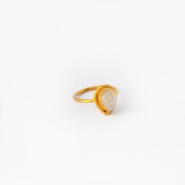 Scarlett ring ♡ rainbow moonstone gold