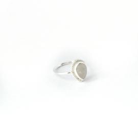 Scarlett ring ♡ rainbow moonstone silver