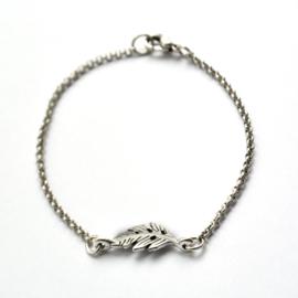 Miu bracelet ♡ small feather silver