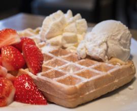 Vanille wafel met verse aardbeien