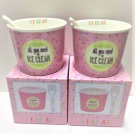 Ijsjes beker met lepel  per 2  verpakingen / ICE CREAM