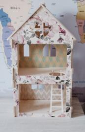 Wooden Dollhouse | Flowers