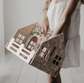 Wooden Dollhouse | On The Go