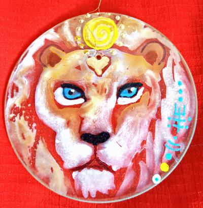 Witte leeuwen op glas