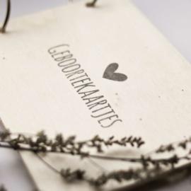 Houten bewaarbundel hartje