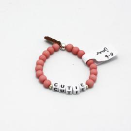 MB - Armbandje Cutie roze 0-6j