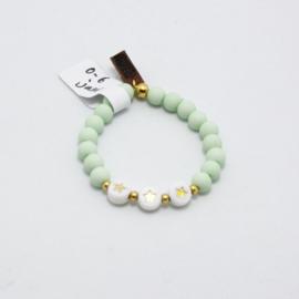 MB - Armbandje Ster wit/goud lichtgroen 0-6j