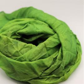 Zijden sjaal groen  gewolkt 90x90