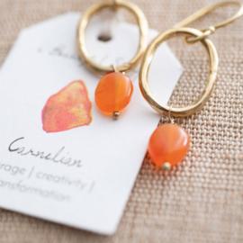 A beautiful story oorbel Carnelian gold