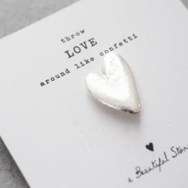 A beautiful story broche Hart zilver