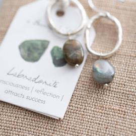 A beautiful story oorbel Labradorite silver