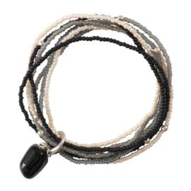 A beautiful story Nirmala black onyx silver armband