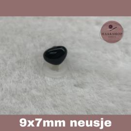 Veiligheidsneusjes zwart driehoek 9x7mm 1 stuk