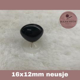 Veiligheidsneusjes zwart driehoek 16x12mm 1 stuk
