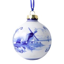 Kersthanger bal met landschap