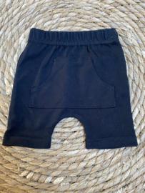 Korte broek  |   Zwart