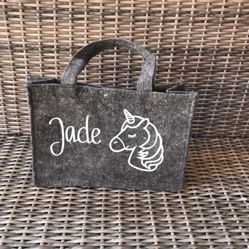 Kleine vilten tas met naam en unicorn