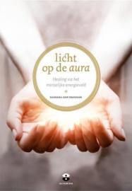 Barbara Ann Brennan - Licht op de aura