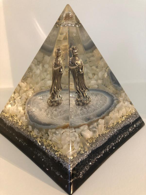 Orgonite Piramide Nubisch, KwanYin