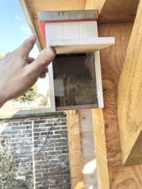 Vogelhuisje Strandcabine met kijkvenster en Zinken dak, 28,5x23x16 div. kleuren (LUXE))
