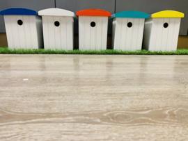 Vogelhuisje Strandcabine met Zinken dak . 28.5x23x16 div. kleuren (BASIC)