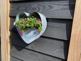 Zinken plantenbak Hart voor aan de muur 31x30x10.5cm