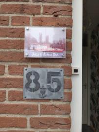 Huisnummerbordje op maat (prijsindicatie +/- 35,=)