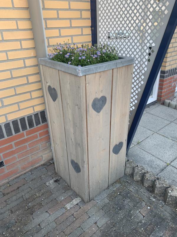 Plantenbak van steigerhout bekleed met Zink in opdracht
