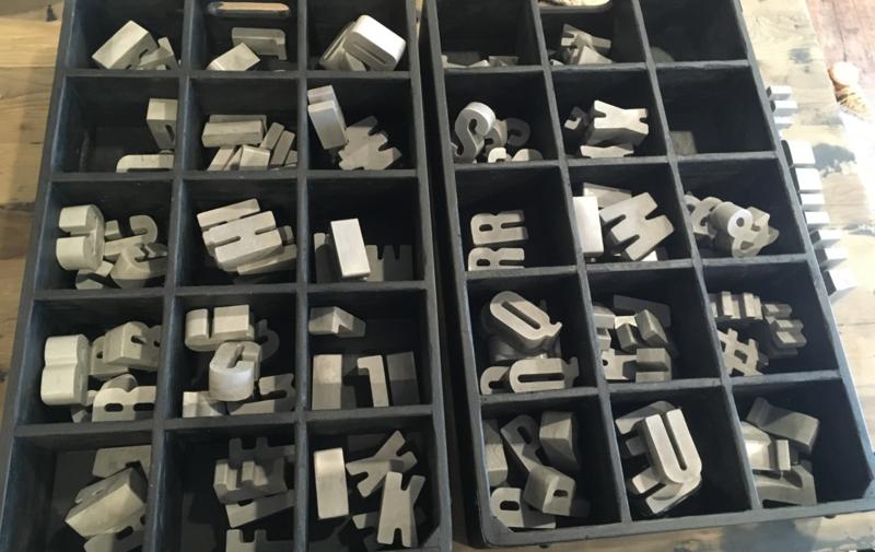 betonnen letters
